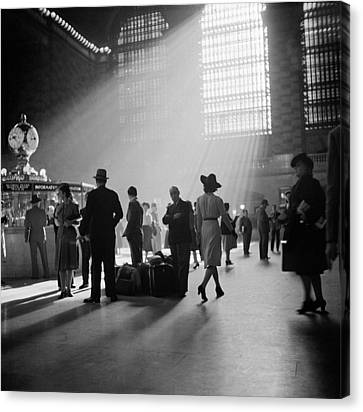 Grand Central Terminal, New York City Canvas Print by Science Source