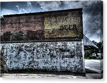 Greeleyville Atlantic Beer Canvas Print by Bill Cantey