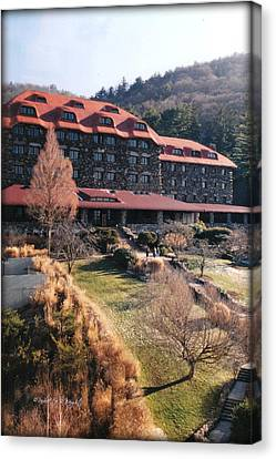 Grove Park Inn In Early Winter Canvas Print by Paulette B Wright