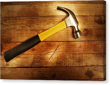 Hammer And Nails Canvas Print by Les Cunliffe
