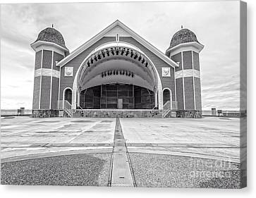 Hampton Beach Bandstand Stage Canvas Print by Edward Fielding