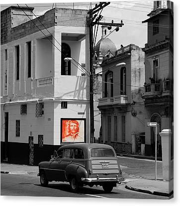 Havana 36b Canvas Print by Andrew Fare