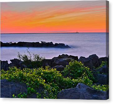 Hawaiian Sunset Canvas Print by Frozen in Time Fine Art Photography