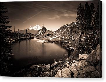 Heart Lake And Mt Shasta Canvas Print by Scott McGuire