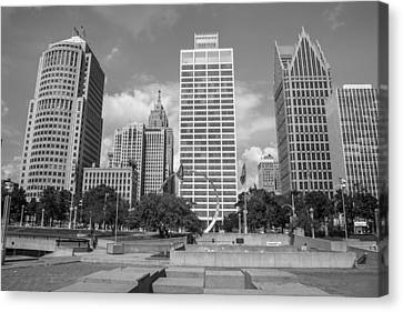 Heart Plaza In Detroit In Black And White  Canvas Print by John McGraw