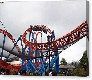 Hershey Park - Fahrenheit Roller Coaster - 12124 Canvas Print by DC Photographer