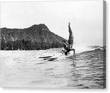 Hot Dog Surfers At Waikiki Canvas Print by Underwood Archives