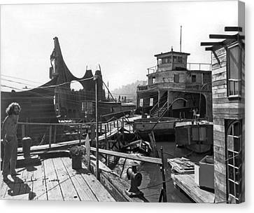 Houseboats In Sausalito Canvas Print by Underwood Archives