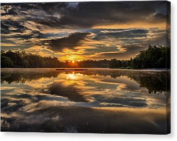 Hoyt Lake Sunrise Canvas Print by Chris Bordeleau