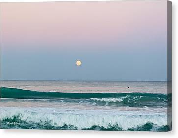 Hunters Moonrise Canvas Print by Michelle Wiarda