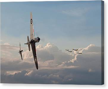 Hurricane - Opening Moves Canvas Print by Pat Speirs