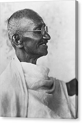 Indian Leader Mahatma Gandhi Canvas Print by Underwood Archives
