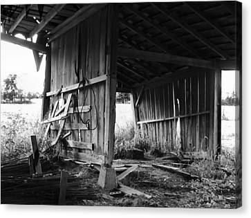 Interior Of Barn In Plainville Indiana Canvas Print by Julie Dant