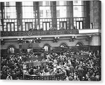 Interior Of Ny Stock Exchange Canvas Print by Underwood Archives
