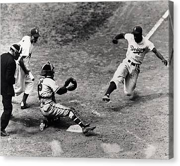 Jackie Robinson In Action Canvas Print by Gianfranco Weiss