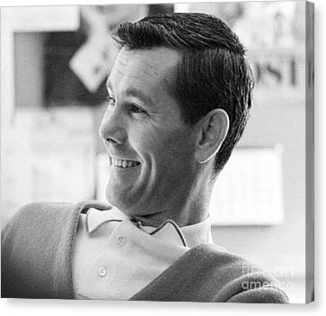 Johnny Carson On The Set Of The Tonight Show 1963 Canvas Print by The Harrington Collection