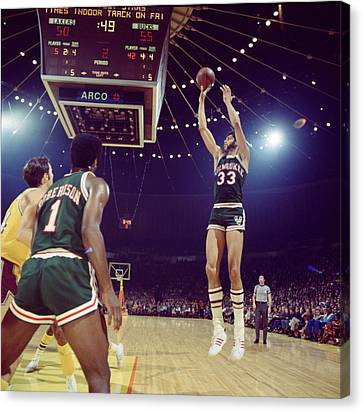 Kareem Abdul Jabbar Shooter Canvas Print by Retro Images Archive