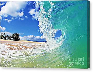 Keiki Beach Wave Canvas Print by Paul Topp