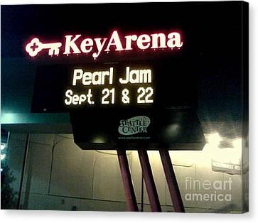 Key Arena Pearl Jam Canvas Print by Linda De La Rosa