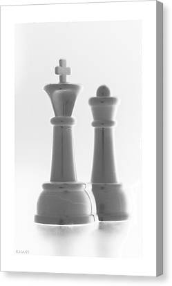 King And Queen In Pure White Canvas Print by Rob Hans