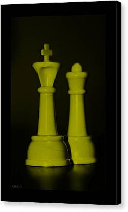 King And Queen In Yellow Canvas Print by Rob Hans