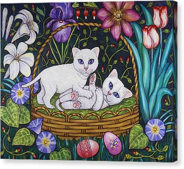 Kittens In A Basket Canvas Print by Linda Mears