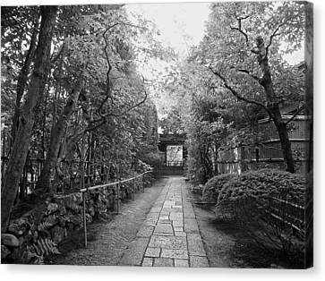 Koto-in Temple Stone Path Canvas Print by Daniel Hagerman