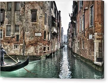 La Veste In Venice Canvas Print by Marion Galt