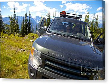 Land Rover Canvas Print by Graham Foulkes