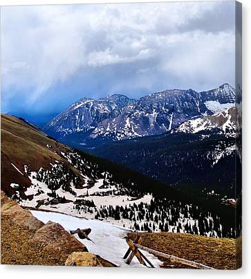 Lookout Point From Trail Ridge Road Canvas Print by Dan Sproul