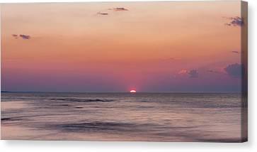 Last Light Of The Sun Canvas Print by Matt Dobson