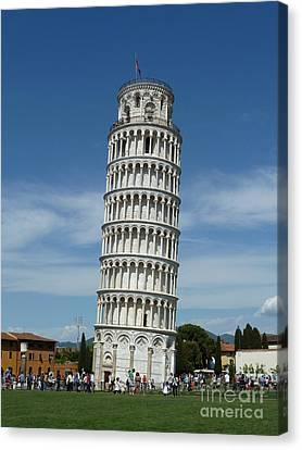 Leaning Tower Of Pisa Canvas Print by Zori Minkova
