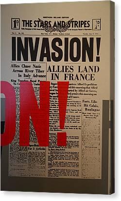Les Invalides - Paris France - 011351 Canvas Print by DC Photographer