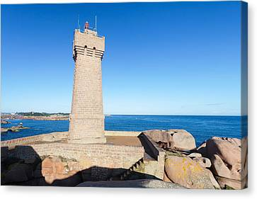 Lighthouse On The Coast, Leuchtturm Von Canvas Print by Panoramic Images