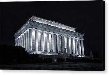 Lincoln Memorial Canvas Print by Joan Carroll
