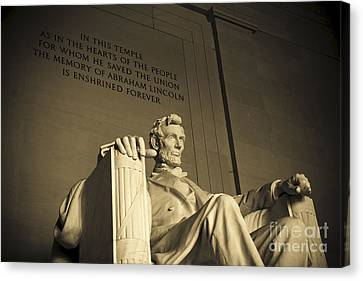 Lincoln Statue In The Lincoln Memorial Canvas Print by Diane Diederich