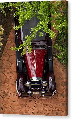 Lincoln Town Car Canvas Print by Thomas Woolworth