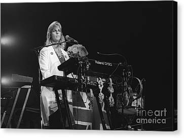 Linda Mccartney Canvas Print by Front Row  Photographs
