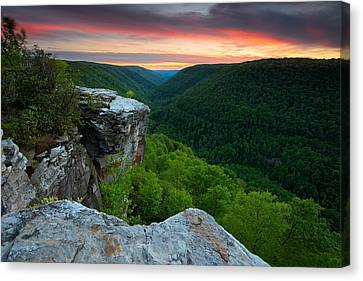 Lindy Point Sunset Canvas Print by Bernard Chen