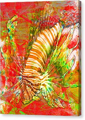 Lionfish In Living Color 5d24143m288p38 Canvas Print by Wingsdomain Art and Photography