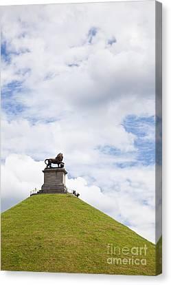 Lions Mound Memorial To The Battle Of Waterlooat Waterloo Belgium Europe Canvas Print by Jon Boyes