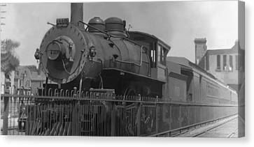 Locomotive 1110 Canvas Print by Henri Bersoux