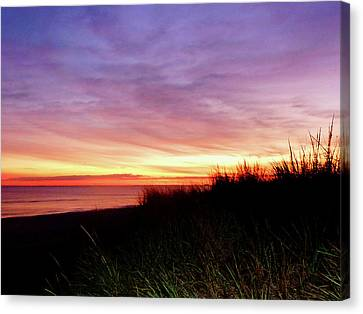 Lonely Beach At Sunrise Norfolk Va Canvas Print by Susan Savad