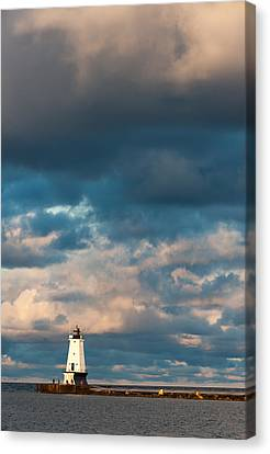 Ludington North Breakwater Lighthouse At Sunrise Canvas Print by Sebastian Musial