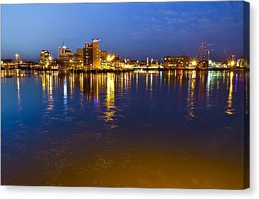 Malmo By Night Canvas Print by EXparte SE