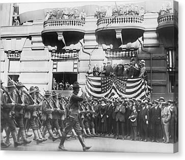 Marching Down Fifth Avenue Canvas Print by Underwood Archives