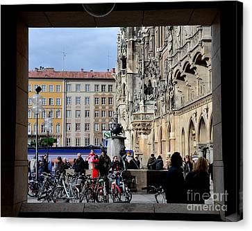Mareinplatz And Glockenspiel Munich Germany Canvas Print by Imran Ahmed