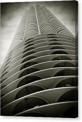 Marina City Chicago Il Canvas Print by Christine Till