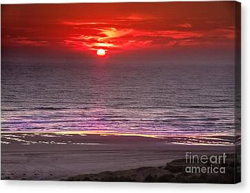 Marine Sunset Canvas Print by Robert Bales