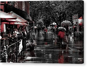 Market Square Shoppers - Knoxville Tennessee Canvas Print by David Patterson